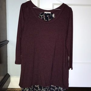 Le Lis top in mixed pattern burgundy and floral
